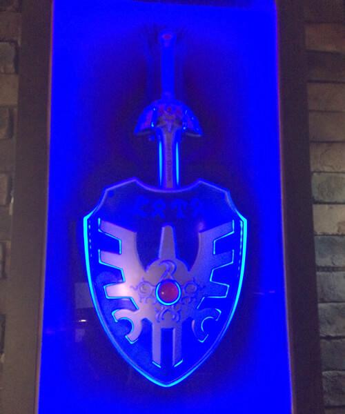 ルイーダの酒場の内観、ロトの剣と盾が飾ってありました