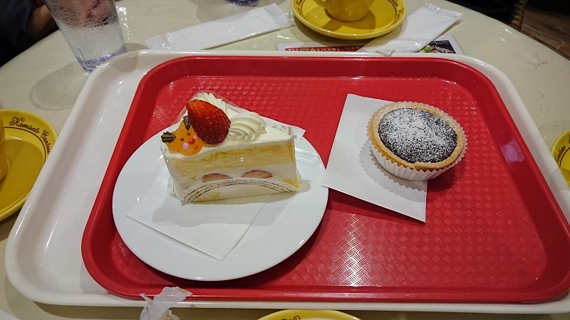 上里カンターレ店内1F ケーキ
