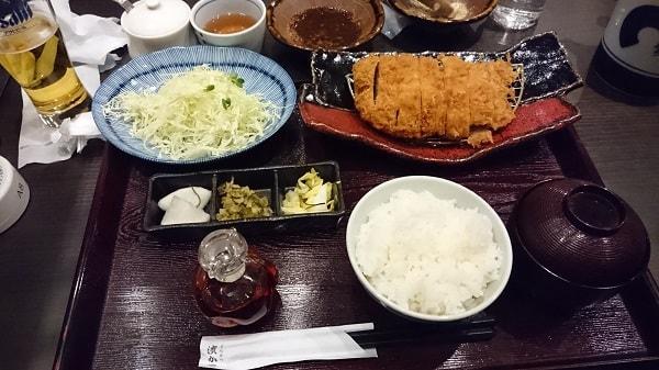 黒豚ロースかつ定食(150g)の写真