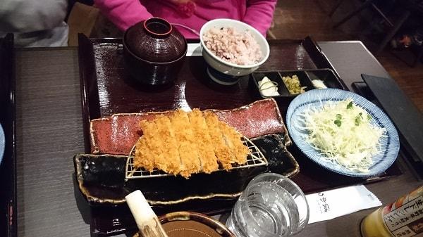 ロースかつ定食(100g)の写真