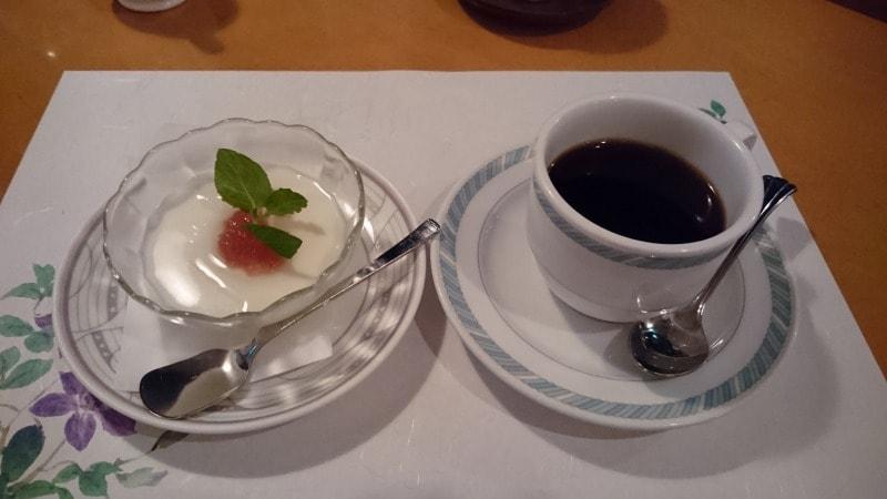 なめらか杏仁豆腐~ローズの香り~&珈琲