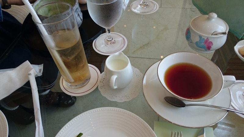 ザ・プリンスパークタワー東京 ロビーラウンジ 紅茶とジンジャエール