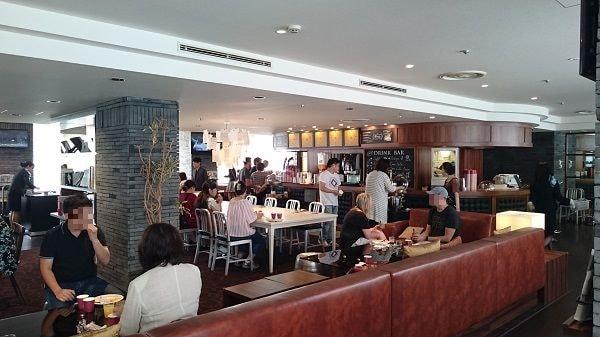 品川プリンスホテル Nタワー ビジネスラウンジ 朝食時の様子 混んでます