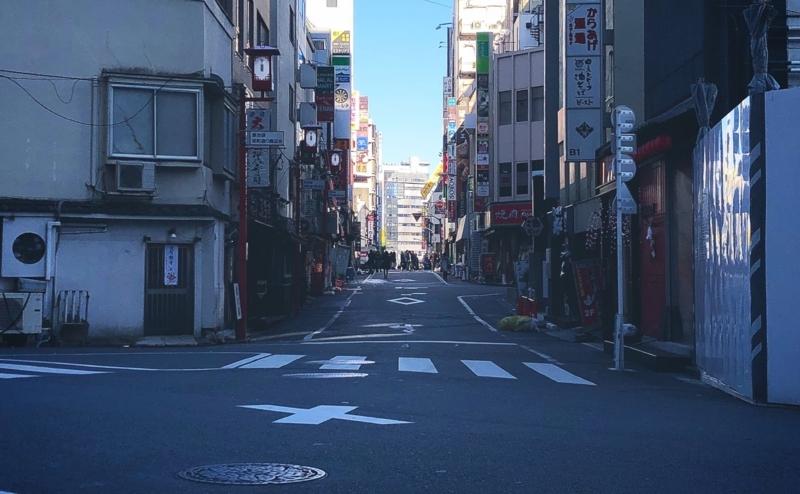 グリーン大通りから日本政策金融公庫池袋支店の前をサンシャイン通りに向かって路地をはいったところ。※無断転載お断り。
