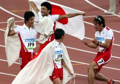 男子400リレー 日本が銅メダルの快挙