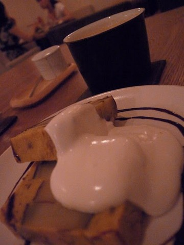 笹塚のカフェにて