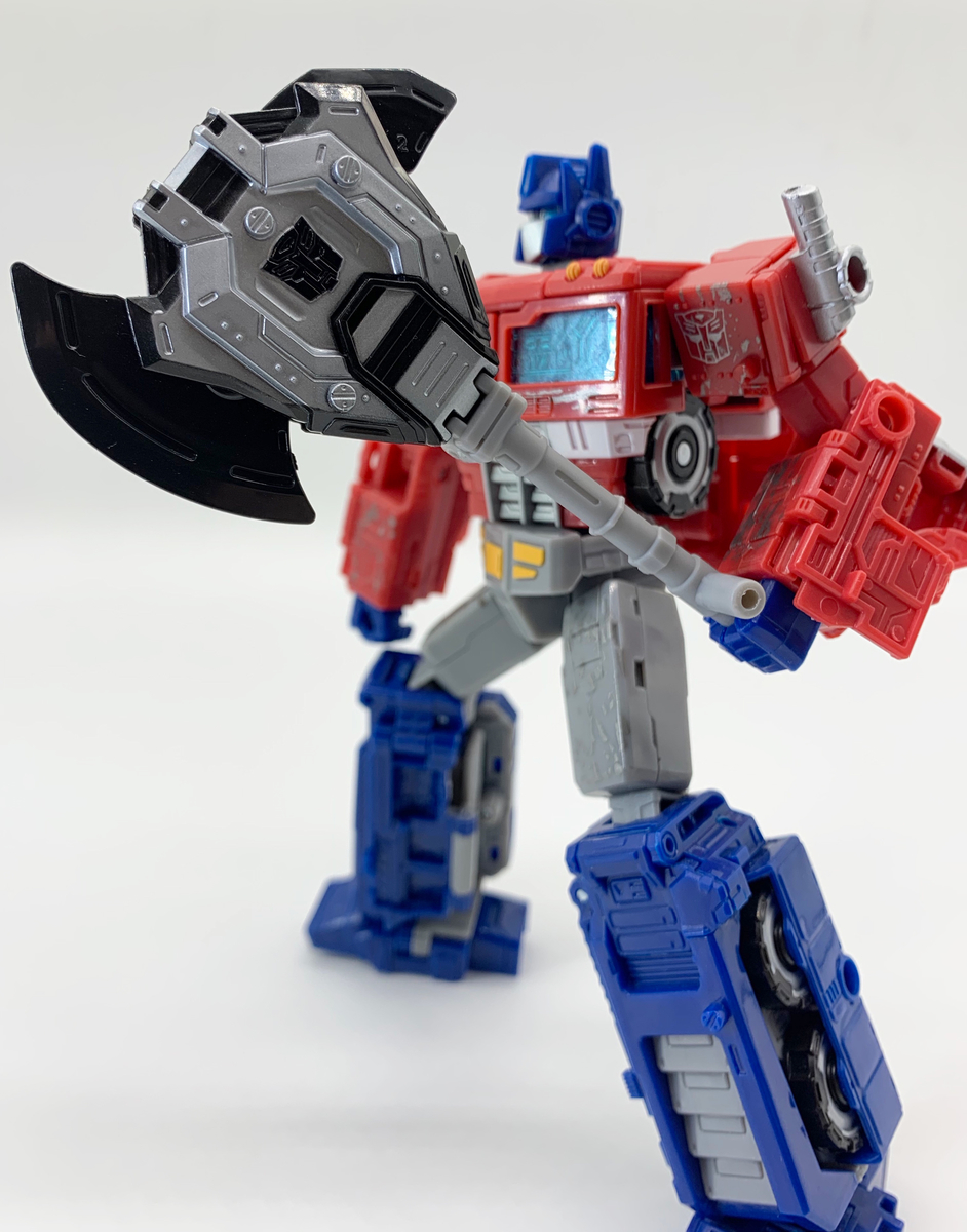 オプティマスとDual-Mech Energon Strikeshield