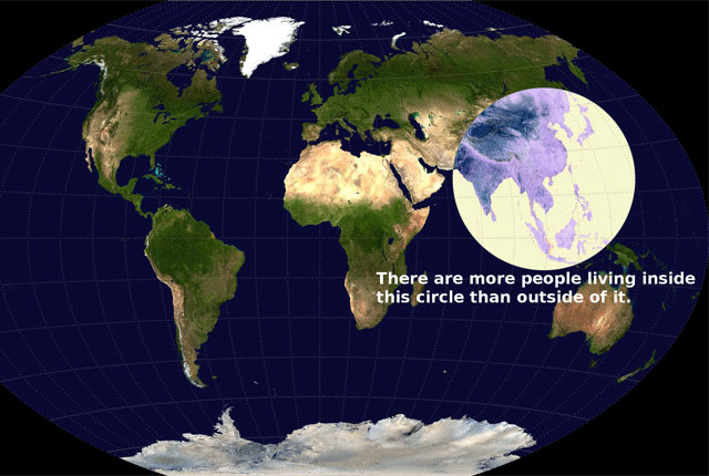 円の中には、円の外よりも多くの人が住んでいます