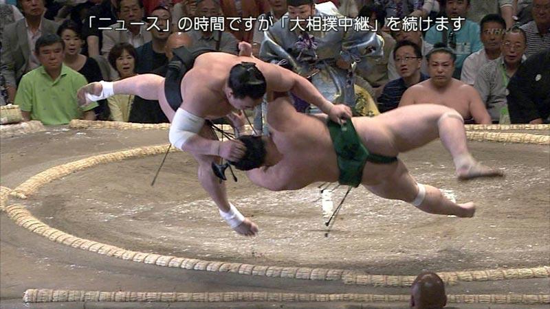 ニュースの時間ですが大相撲中継