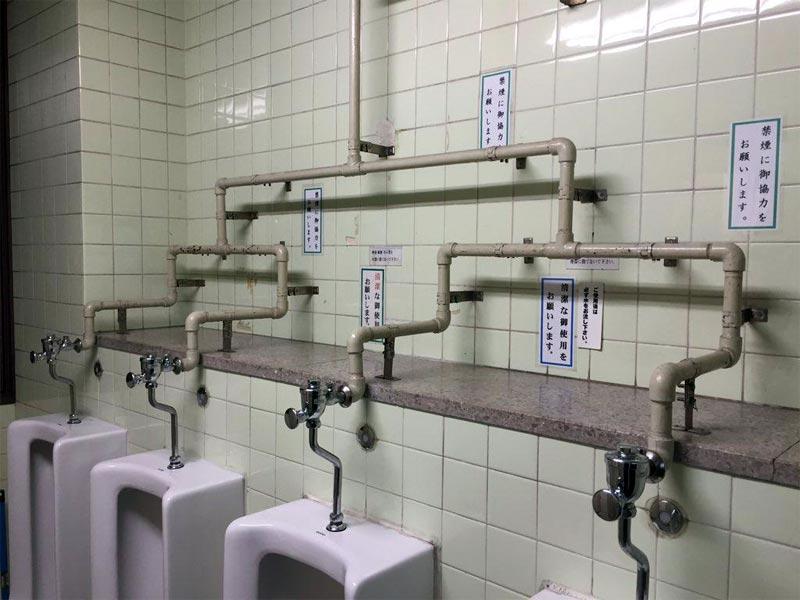 このトイレ、いきなり準決勝だよ