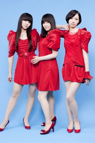 Perfumeとキャンディーズ赤の衣装