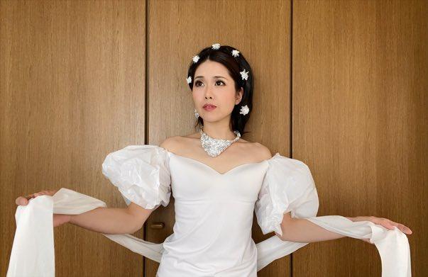 可知寛子さん「衣装を用意する予算がなかったので、ビニール袋とアルミホイルとトイレットペーパーで作ってみた