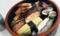 仕事場で振る舞い寿司。目標達成の記念、らしい。