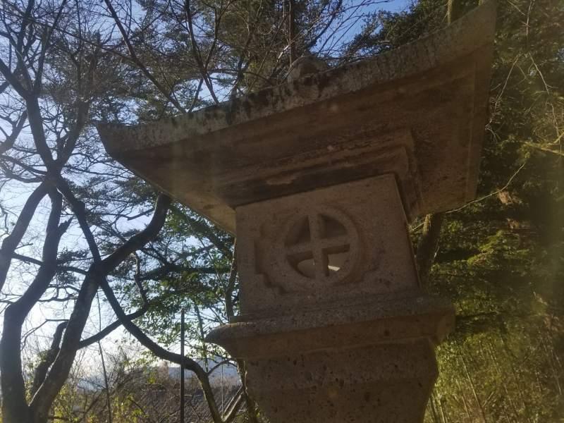 つまり「丸に十文字」の石灯篭などは後から造られたもの?