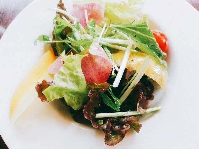 サラダ〔カフェ ラ・ボエム〕
