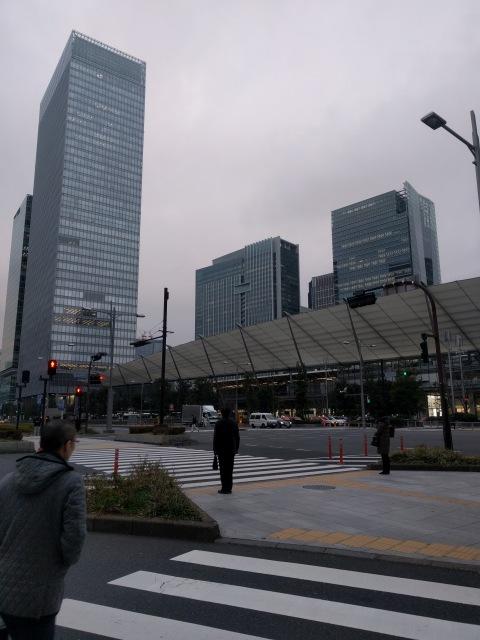 しっかり休んで早朝から東京駅へ