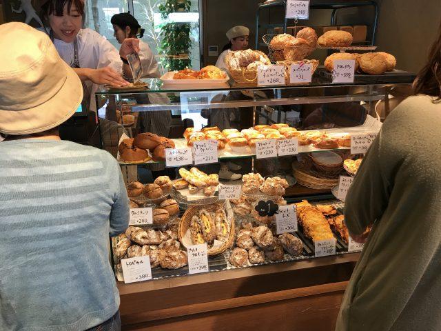 ベーカリーハコスは超人気店のパン屋さん