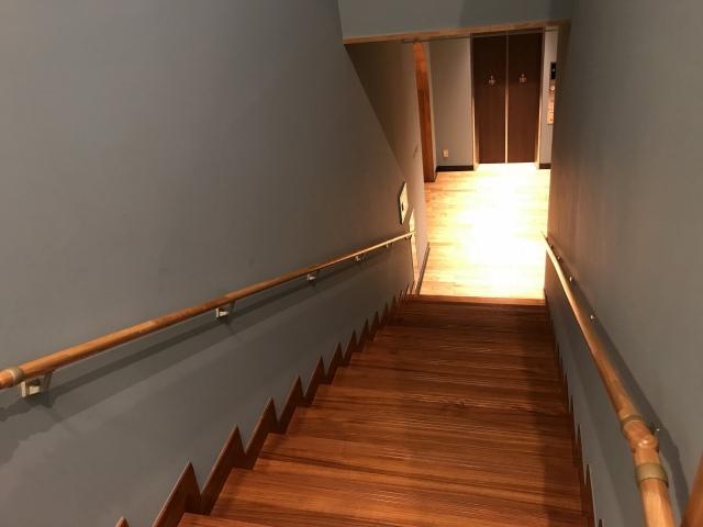 2階にあがりましょう