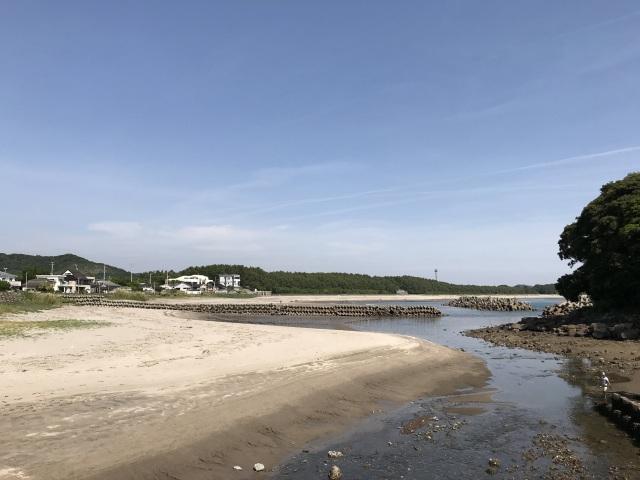 神社の先には照島海岸が広がります