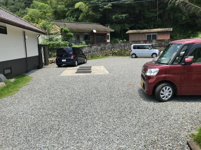 癒し茶屋杜の風の駐車場は10台