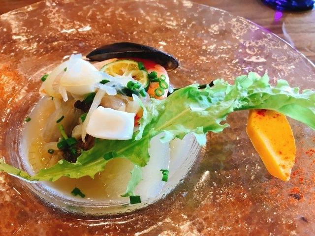 メイン 目鯛のバプール/貝のおだしのナージュ仕立て~エビ・イカ・ムール貝を使用しております~
