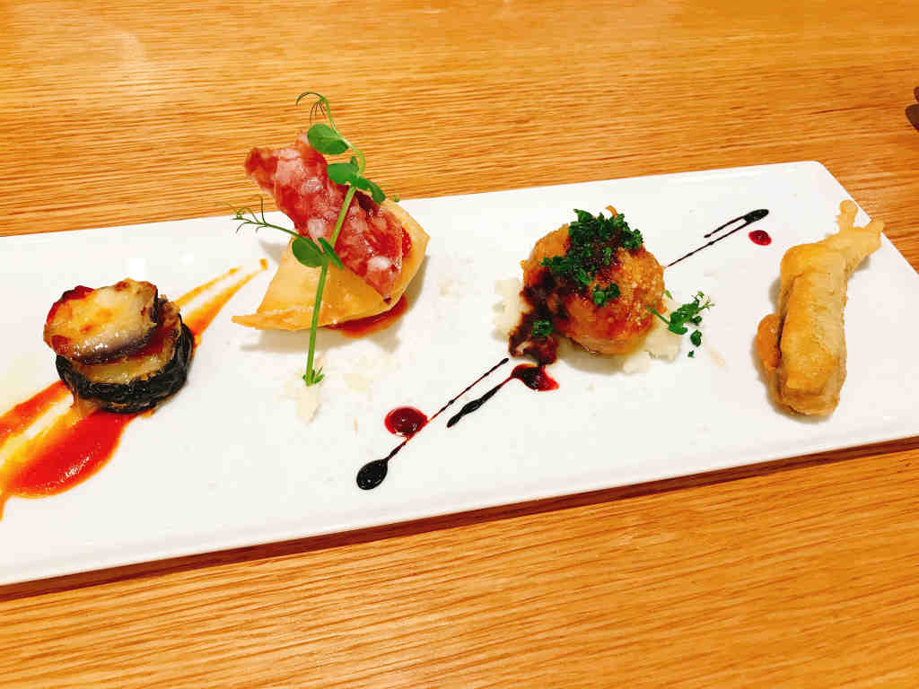 ナスの炒めもの/揚げたパンにサラミを添えて/ポルペッテ?/きびなごの天ぷら