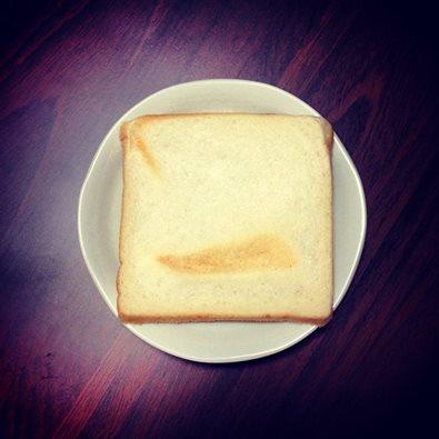一般の食パンとチンピラの食パン、どちらに愛があるのか日記。