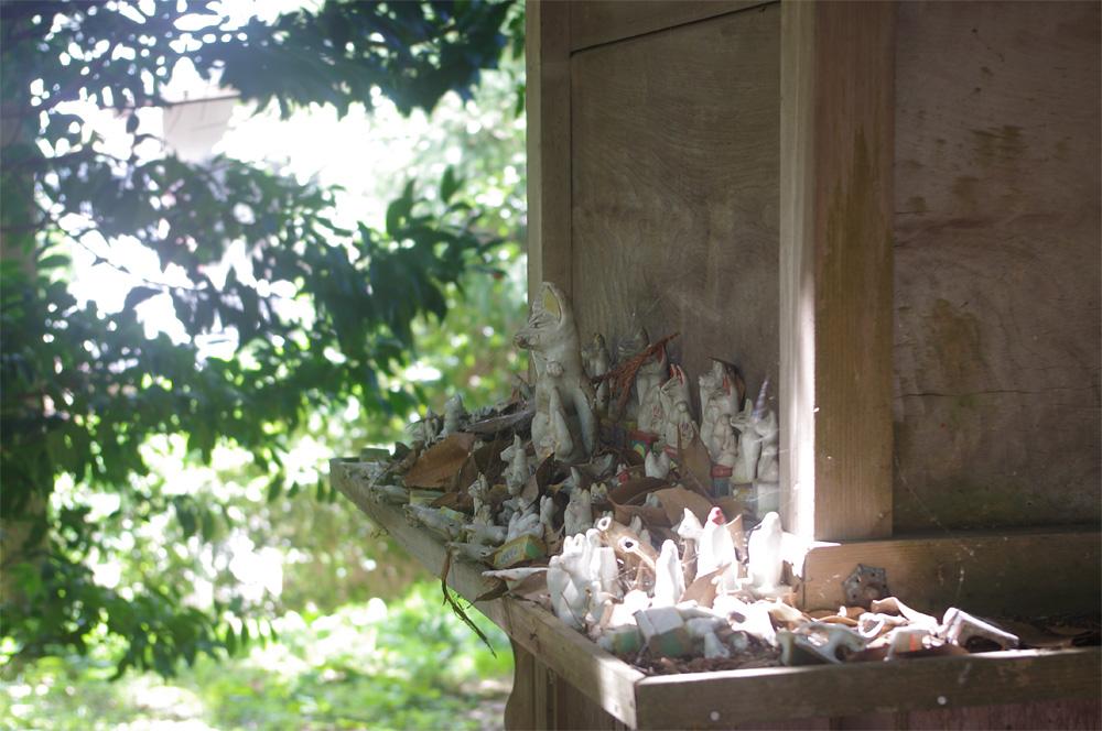 空が青い日の幽霊と、稲荷神社の醍醐味ワンダーランド日記。