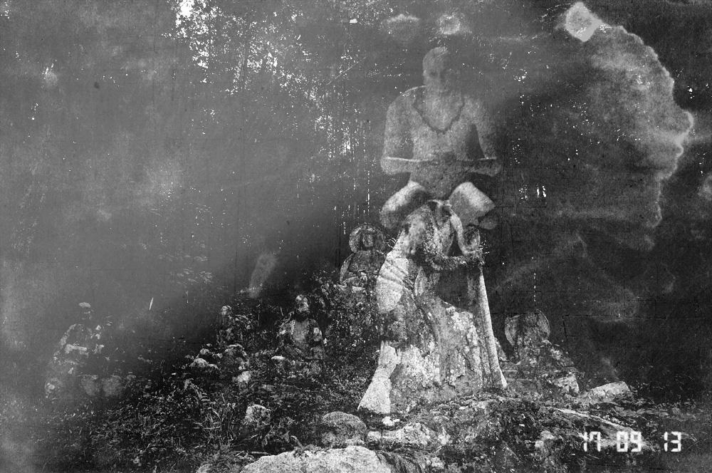 本当はコワい裏山霊場巡り、初秋の心霊写真日記。