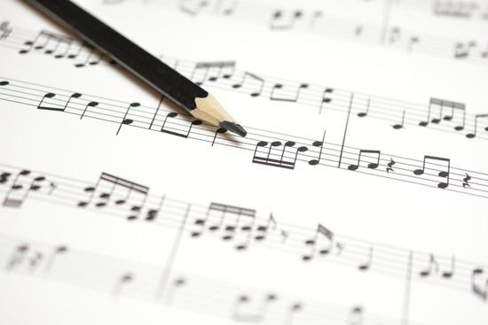 楽譜と鉛筆