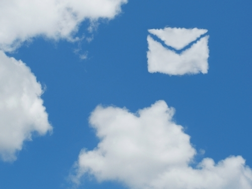 手紙の形をした雲