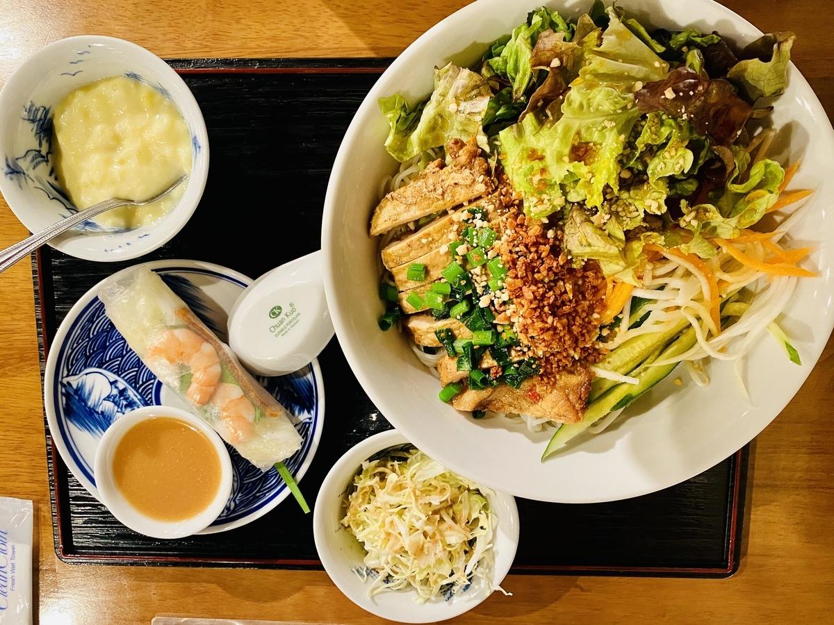 ベトナム料理は「米」中心