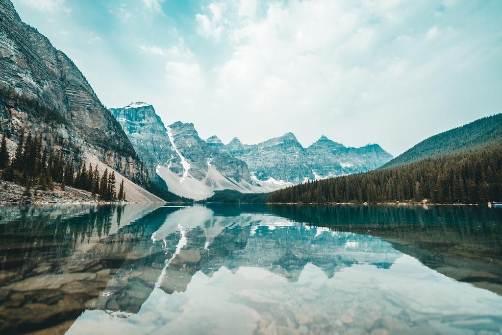 カナダの雄大な自然イメージ