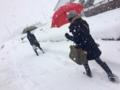 雪の中を行く