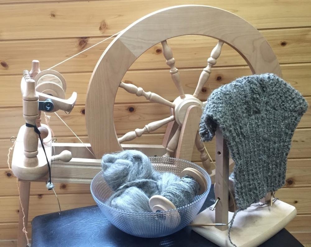この紡ぎ車を使って、紡いでいきます。