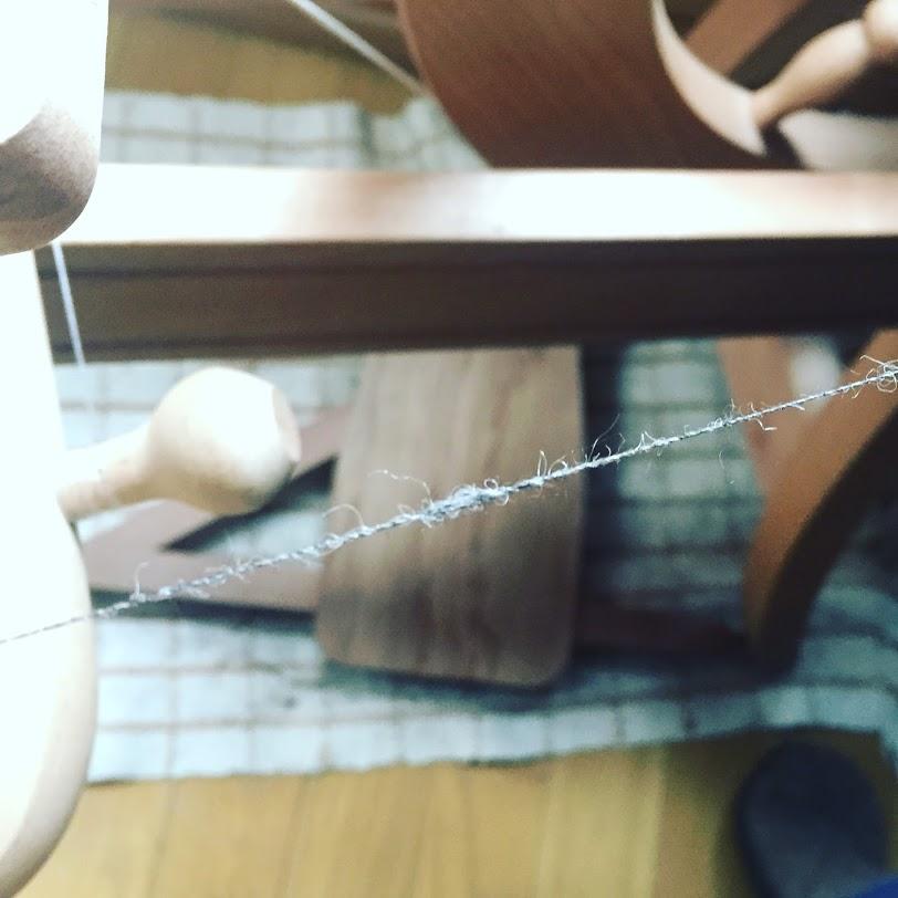 糸の中にできるネップと呼ばれる小さな固まり