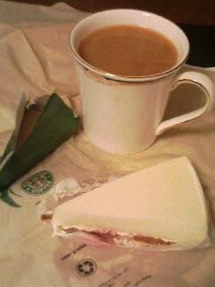 スタバのストロベリーレアチーズケーキ