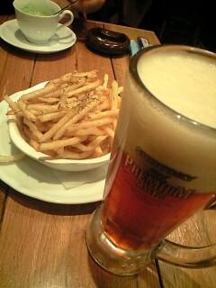 フライドポテトと八条ビール@八条ダイナー