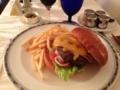 特選 国産牛のハンバーガー@リッツカールトン大阪 ルームサービス