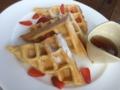 朝食のワッフル@フォーシーズンズ サヤン アユンテラス ○