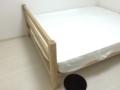 無印良品のオーク材ベッドと超高密度ポケットコイルマットレス クイ