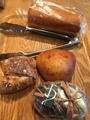 ブリオッシュ食パン、クランベリーのバンズなど@本町 パンドゥース