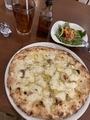 ニンニクと唐辛子とアンチョビのピザ@膳所 taupo
