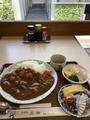 カレー大盛りと小鉢@大津 豆藤二階「菜」