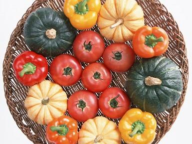 美肌作りにはフルーツよりも緑黄色野菜を