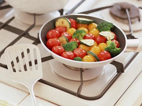 ビタミンCは加熱で壊れるので調理は短時間で