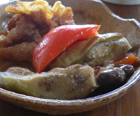 岐阜のHさん:おもてなしで豚肉のマリネと一緒にお取り皿で