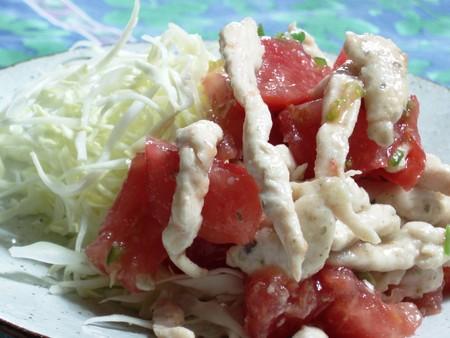 胸肉とトマトのサラダ