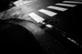 [道路][歩道][モノクロ]