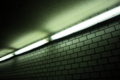 [電気][地下][壁]